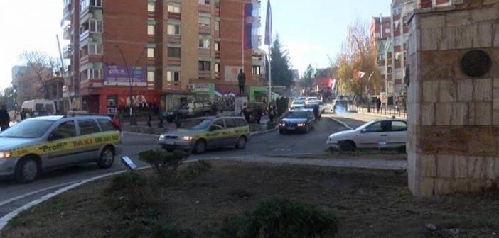 Протест таксиста у Косовској Митровици