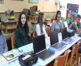Амбасадор Америке у Србији уручио вредну донацију Дому ученика средњих школа у Врању