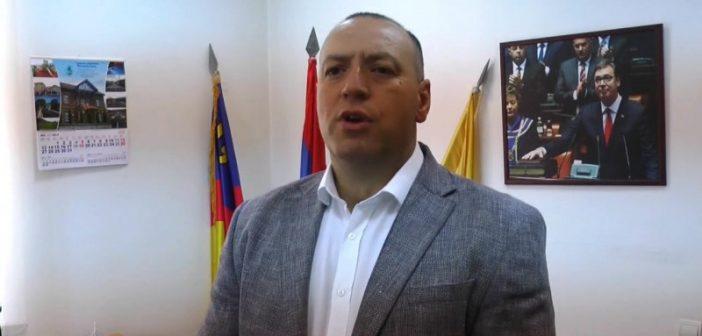 Сентић: Напади на полицију и уништавање државне имовине неће бити толерисани