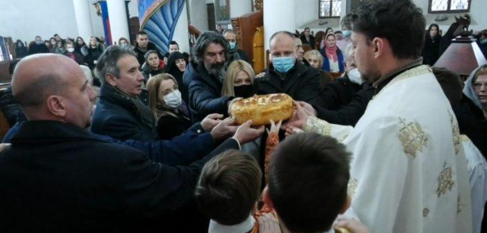 Литургија и резање славских колача у Саборном храму Свете Тројице у Врању поводом Савиндана